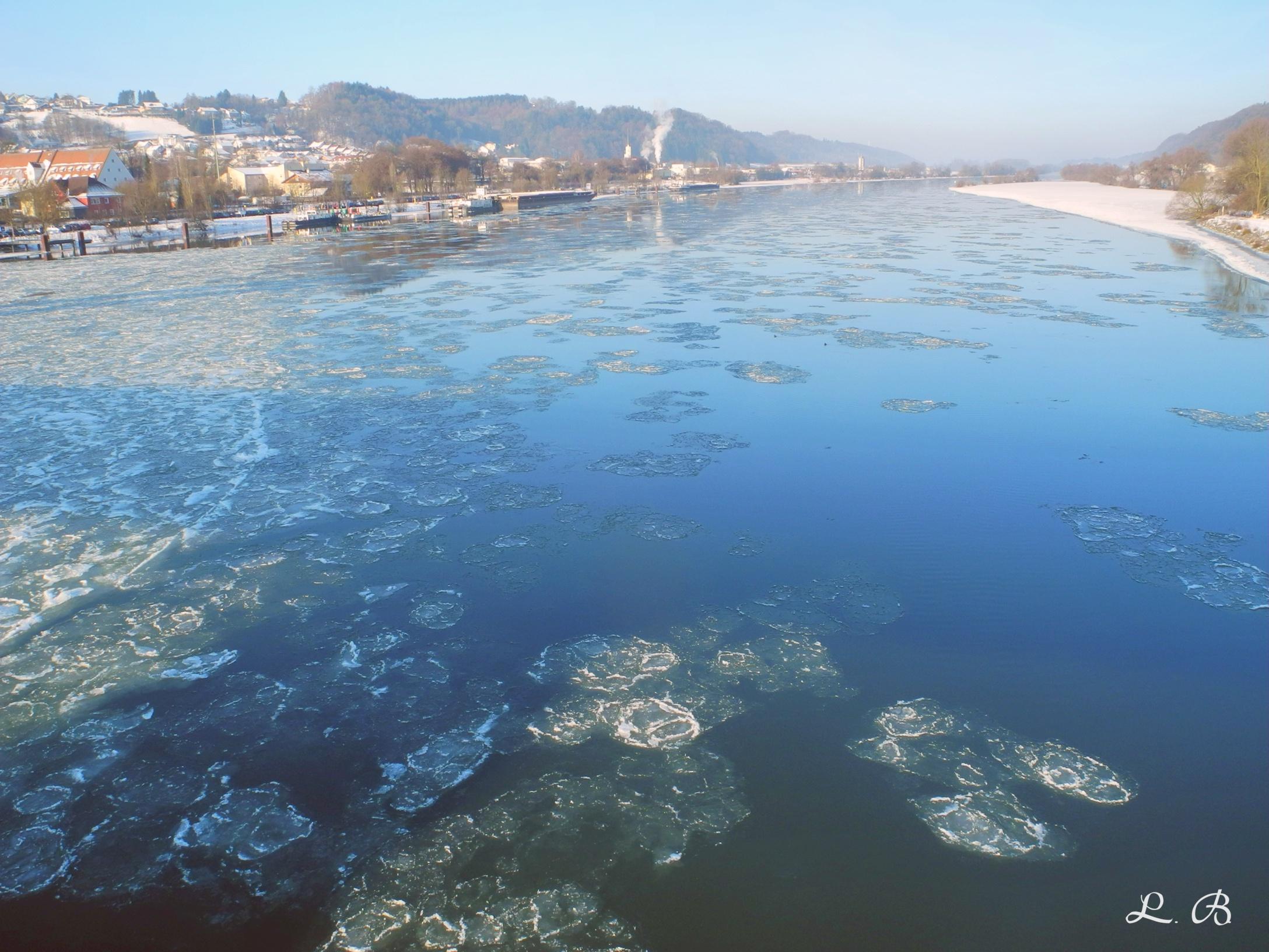 2017-01-Vilshofen-Donau-Winter-Eisschollen-3