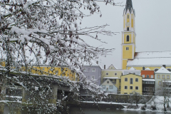 Vilsbrücke und Stadtpfarrkirche